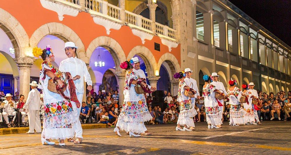 Reflexiones entre la demasía y la carencia cultural de Mérida